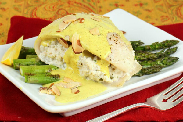 Crab stuffed tilapia with asparagus and creamy curry sauce for Stuffed fish with crab meat