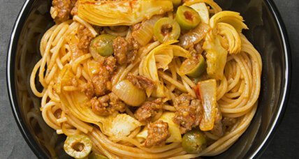 Keep it simple: Spaghetti with artichoke hearts, sausage, and olives