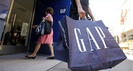 Minimum wage bump: Will more stores follow Gap's example? (+video)