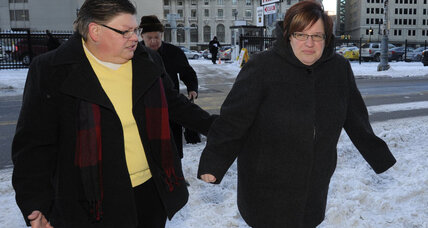 Author of controversial gay marriage study testifies in Mich. trial