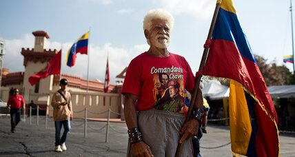 Chávez anniversary: Military parade and opposition protests fight for attention (+video)