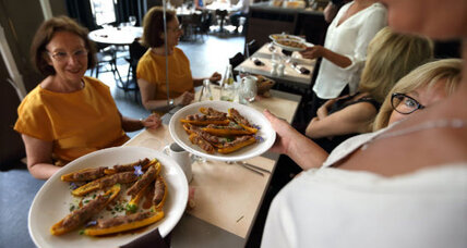 Sharing a photo of your Paris meal? French chefs say 'non'