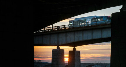 Public transportation makes a comeback, but not in Boston (+video)