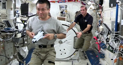 Astronauts celebrate 'Cosmos' with zero-g physics lesson