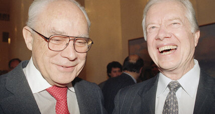 Former Democratic Party chairman Robert S. Strauss dies