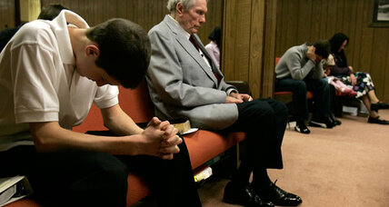 Fred Phelps: no funeral for the preacher who picketed so many (+video)