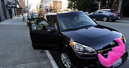 Ride-sharing app Lyft heads to New York (without the pink mustache)