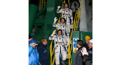 Astronauts en route to space station stuck in orbit for at least two days