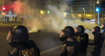 Albuquerque protest over police shootings turns to 'mayhem'