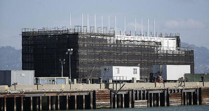 Booted from San Francisco, Google's mystery barge moves inland  (+video)