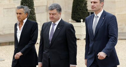 Russia and the West are both being played by Ukraine's political elites