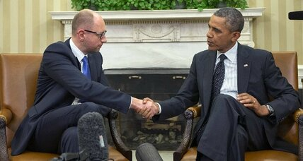 Most Americans support Obama on Ukraine – tentatively (+video)