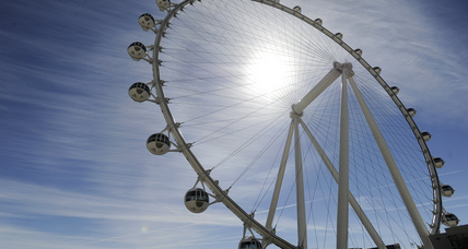 Vegas Ferris wheel, tallest in the world, wows with view of Strip