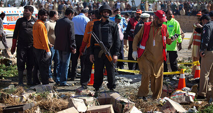 Deadly blast in Pakistan market casts shadow on Taliban peace talks (+video)