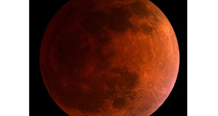 Monday night's 'blood moon' leaves stargazers gobsmacked, flabbergasted