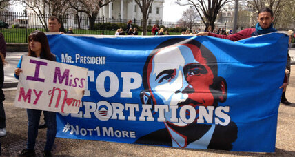 Immigration reform: If Obama moves on his own, how big a political risk? (+video)