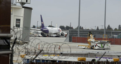 Teen stowaway's adventure raises questions about airport security (+video)