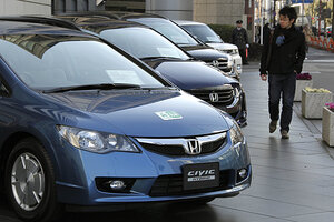 Honda Motor Co.u0027s Civic Hybrid Cars Are Shown In Front Of The Japanese  Automakeru0027s Headquarters In Tokyo, Japan. Hybrid Cars Make Up 98 Percent Of  Americau0027s ...