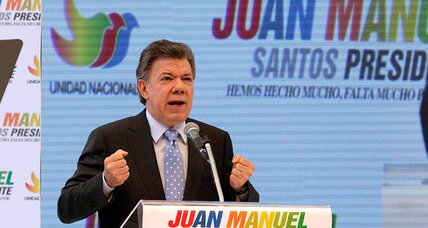 Support wanes for Colombia's Santos, despite GDP growth (+video)