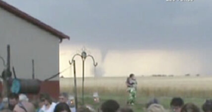Tornado arrives as uninvited guest at Kansas wedding