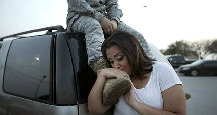 Fort Hood shooting: the coffeehouse where soldiers find solace (+video)