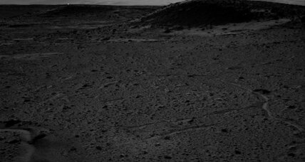Light on Mars: What's that speck of light doing? (+video)