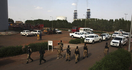 Rebels in South Sudan state massacre hundreds, hit oil industry