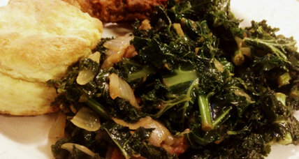 Kale recipe: sautéed kale with bacon and onions
