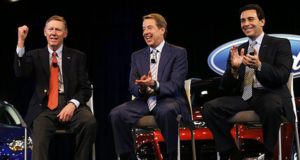 Ford CEO Alan Mulally to retire, be replaced by Mark Fields