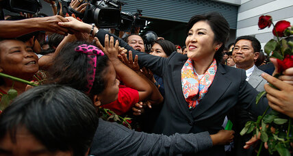 Court forces out Thai leader, but crisis far from over (+video)