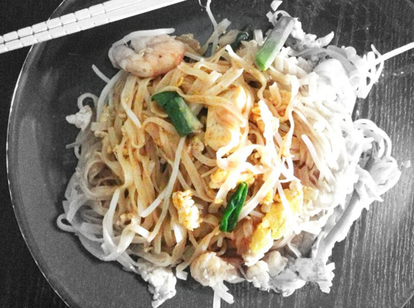Homemade pad thai sauce in bulk plus easy pad thai csmonitor homemade pad thai sauce in bulk plus easy pad thai forumfinder Choice Image