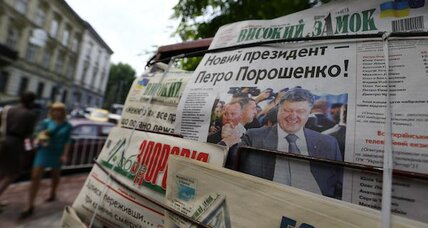 Ukraine picks Poroshenko for prez, but is in no mood to celebrate (+video)