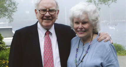 Doris Buffett works one-on-one to help with billionaire brother's charity