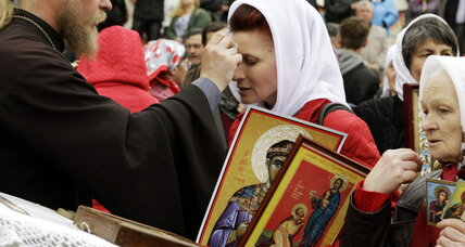 Ukraine's political divisions play out among its Orthodox congregations
