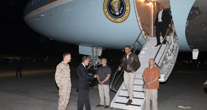 Obama makes surprise visit to Afghanistan for Memorial Day