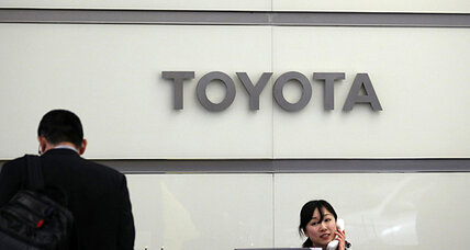Japanese automakers, government move toward fuel-cell vehicles