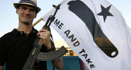 Assault-rifle-toting Texans get NRA to back down on 'weird' claims (+video)