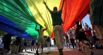 US judge: Wisconsin same-sex marriage ban violates 'fundamental' right