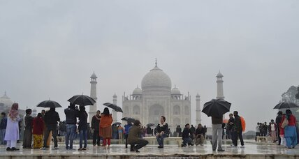 How do you say Taj Mahal in Chinese? India seeks tourists