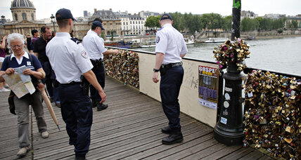 Pont des Arts 'love locks': A loss for famed footbridge