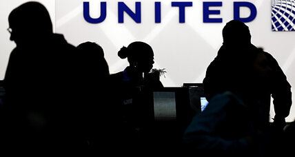 United Airlines frequent flier program to reward price, not distance