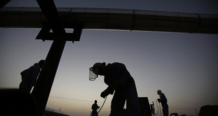 Oil prices rise as Iraq crisis threatens OPEC oil balance