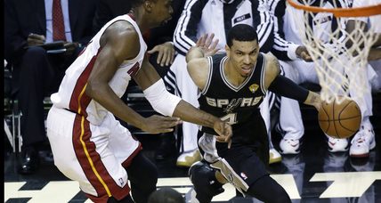 Spurs humble Heat in blowout win