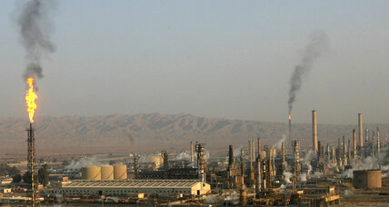 ISIS and government forces battle for control of Iraq's largest oil refinery