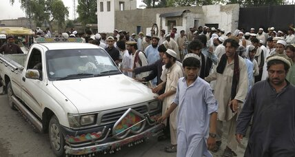 Thousands flee Pakistan's North Waziristan