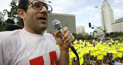 Dov Charney ousted as American Apparel CEO (+video)