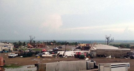 South Dakota tornado razes dozens of homes, injures two (+video)