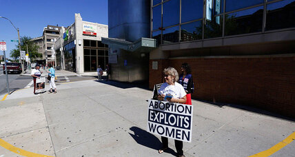 Abortion clinic buffer zones: Does court ruling put many in peril? (+video)