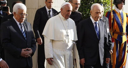 Pope Francis holds rare prayer meeting for Israeli, Palestinian presidents