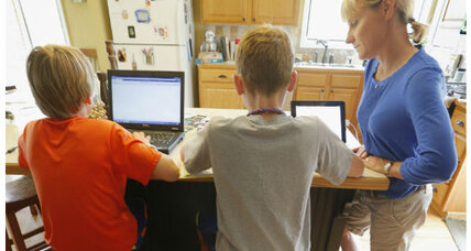 Home-schooling parents stand up against Common Core standards